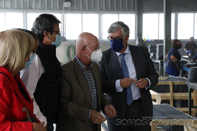 somoscomarca_trigal_visita_presidente_empresarios_galicia_irosa_pizarra_2021_10_04 (12)